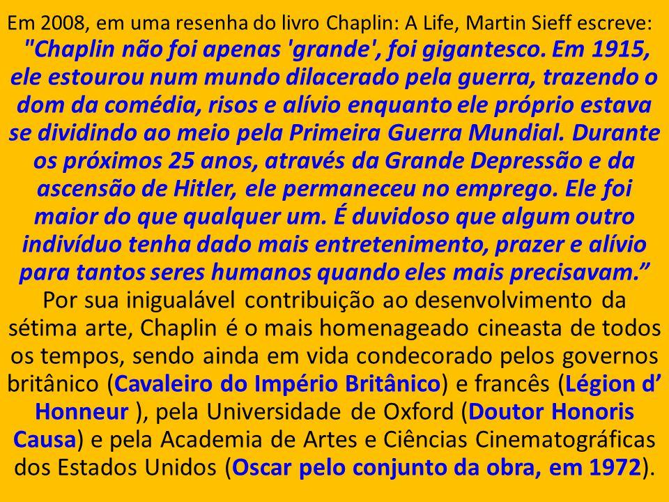 Sir Charles Spencer Chaplin, mais conhecido como Charlie Chaplin, foi um ator, diretor, produtor, humorista, empresário, escritor, comediante, dançari