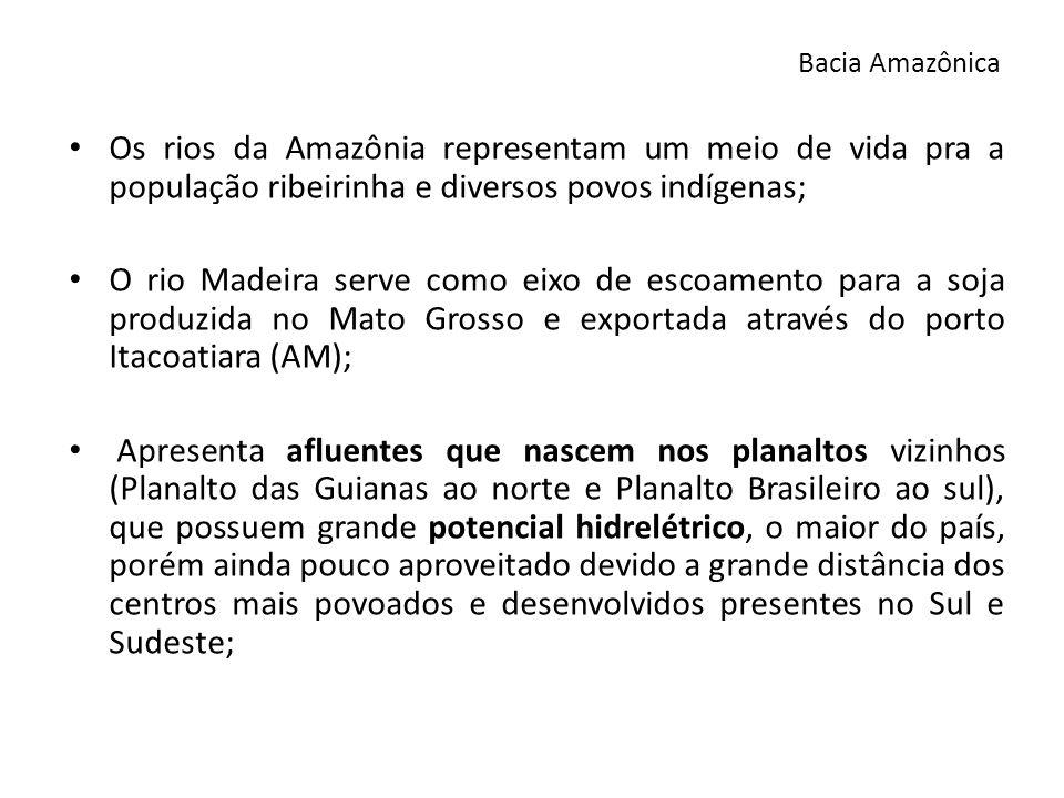 Principais hidrelétricas: Balbina e São Felix (AM), Curuá-Uná (PA) e Samuel no rio Jamari (RO); Impactos socioambientais na construção de hidrelétricas nesta região - caso das Usinas de Santo Antônio, Jirau (complexo do rio Madeira – RO) e Belo Monte (rio Xingú – PA): - deslocamento de população ribeirinha (índios e agricultores); - expansão da agricultura comercial, principalmente a soja; - devastação da floresta e sua rica fauna e flora; - desvio dos cursos dos rios; - inundação de florestas com a produção do gás metano; Bacia Amazônica