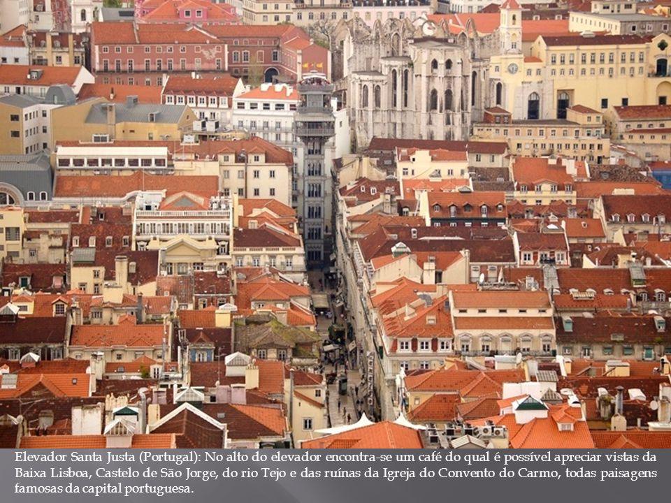 Elevador Santa Justa (Portugal): No alto do elevador encontra-se um café do qual é possível apreciar vistas da Baixa Lisboa, Castelo de São Jorge, do