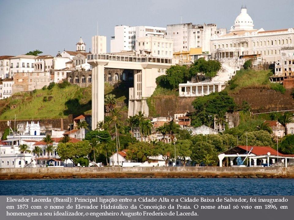 Elevador Lacerda (Brasil): Principal ligação entre a Cidade Alta e a Cidade Baixa de Salvador, foi inaugurado em 1873 com o nome de Elevador Hidráulic