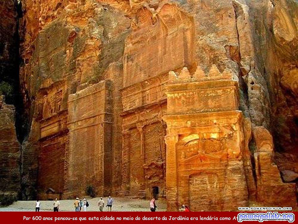 Cidade de Petra, na Jordânia Uma das 7 Novas Maravilhas do Mundo Música: Helwa Ya Baladi (você é lindo, meu país) By Ney Deluiz Canta: Dalidá Use o mo