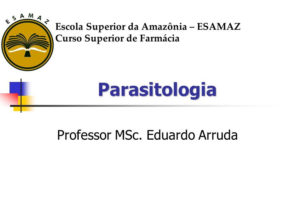 Parasitologia Parasitismo: Associação nociva entre seres vivos, onde há unilateralidade de benefícios; Parasito: Organismo agressor, menor e beneficiado; Hospedeiro: Organismo agredido, maior e que alberga o parasito.