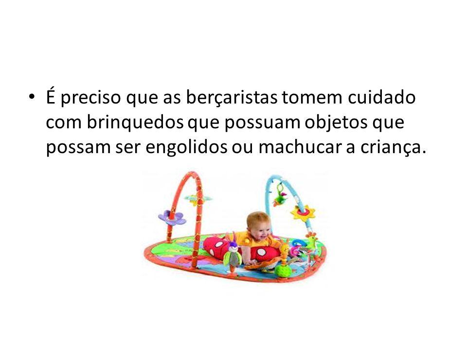 Uma boa opção é trabalhar a consciência ambiental das crianças através de brinquedos feitos com sucatas.