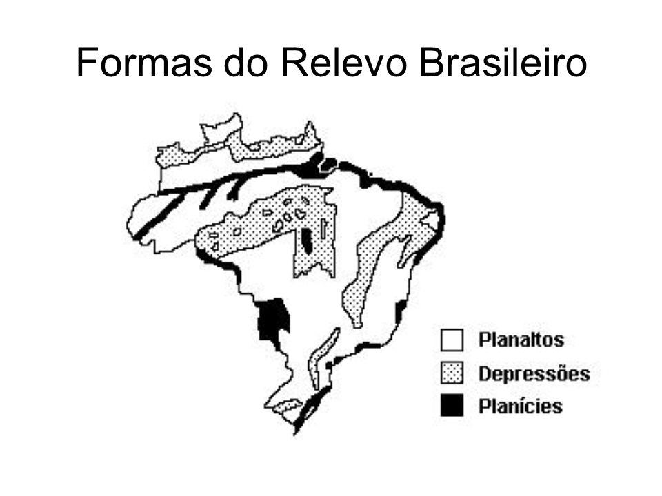 Domínio dos Cerrados chapadas e chapadões do Brasil central tropical verões chuvosos e invernos secos.