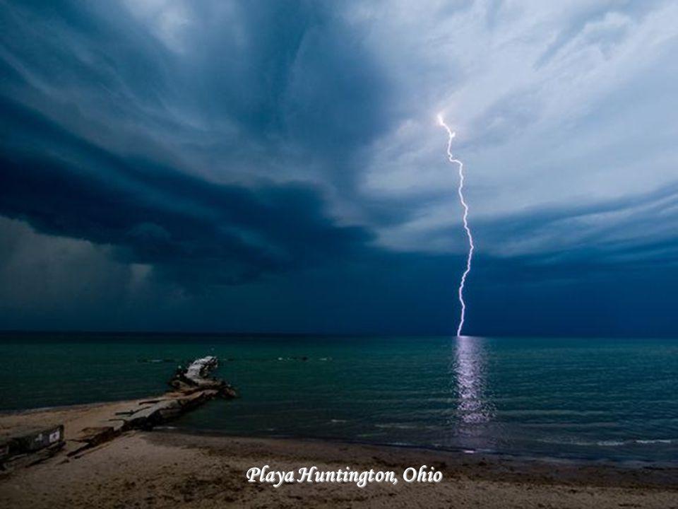Rochas na margem do lago Michigan
