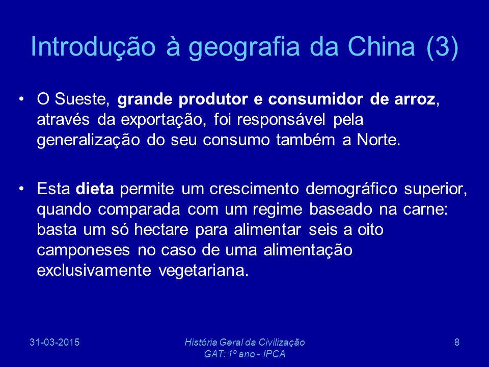 31-03-2015História Geral da Civilização GAT: 1º ano - IPCA 89 A Era de Mao (4) Contudo, a economia chinesa era bem mais rural do que a Russa (80% das pessoas trabalhavam no campo) envolvidos numa agricultura intensiva que produzia pouco excedente além do necessário para a subsistência.