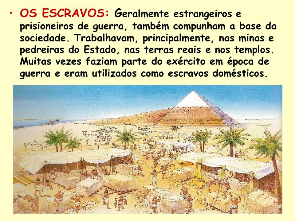 OS ESCRAVOS: G eralmente estrangeiros e prisioneiros de guerra, também compunham a base da sociedade. Trabalhavam, principalmente, nas minas e pedreir