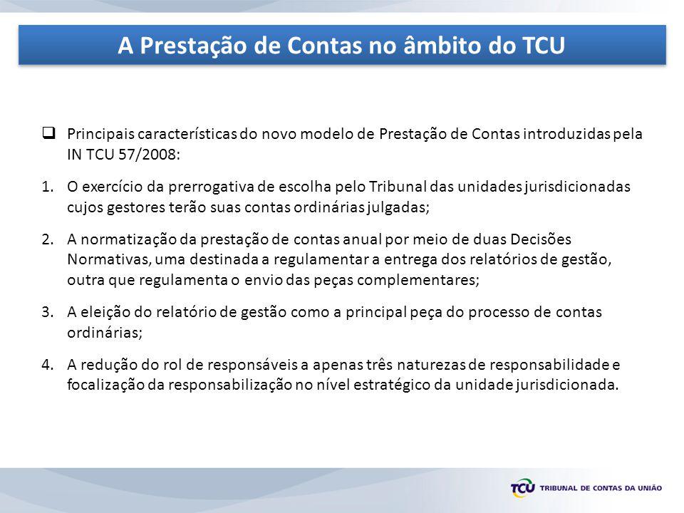  A IN TCU 63/2010 introduziu diversas medidas na sistemática do processo de contas, das quais destacamos: 1.Modificação da sistemática de recepção do relatório de gestão; 2.Antecipação das normas que regulam a elaboração e envio dos relatórios de gestão para o exercício anterior ao de referência; 3.Eliminação da terminologia processo de tomada e prestação de contas , utilizando-se o termo prestação de contas em sentido amplo; 4.Possibilidade de se ter uma visão sistêmica de um programa de governo, em razão de sua relevância, materialidade e risco; 5.Configuração dos relatórios de gestão como a materialização do dever de prestar contas, previsto no art.