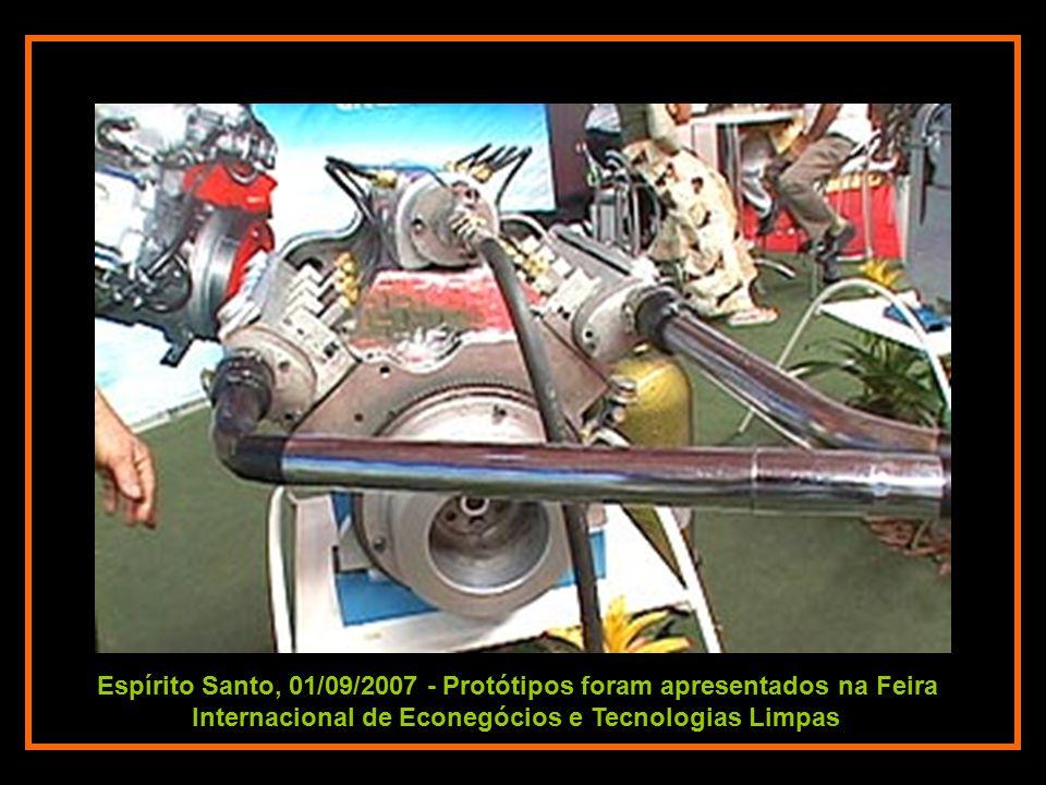 Espírito Santo, 01/09/2007 - O mecânico realizou todas as etapas do projeto do motor, contando somente com a ajuda de alguns amigos