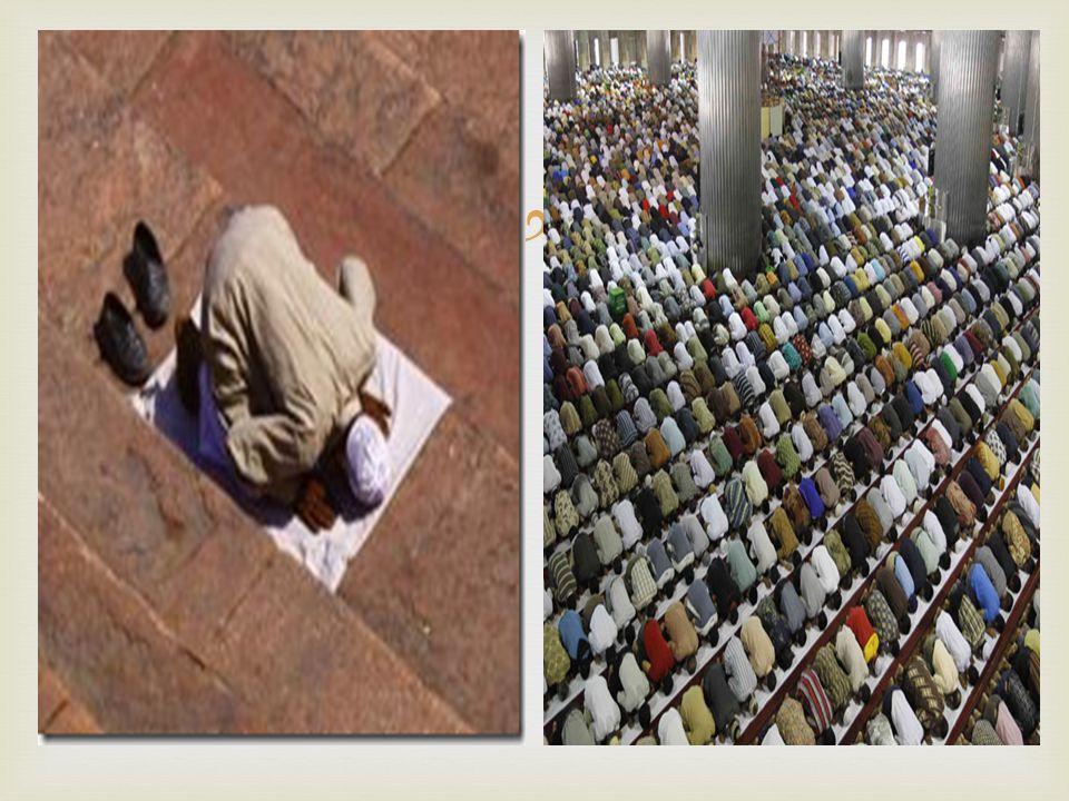   Às sextas-feiras realiza-se um sermão de um verso do Alcorão, de conteúdo moral, social ou político.