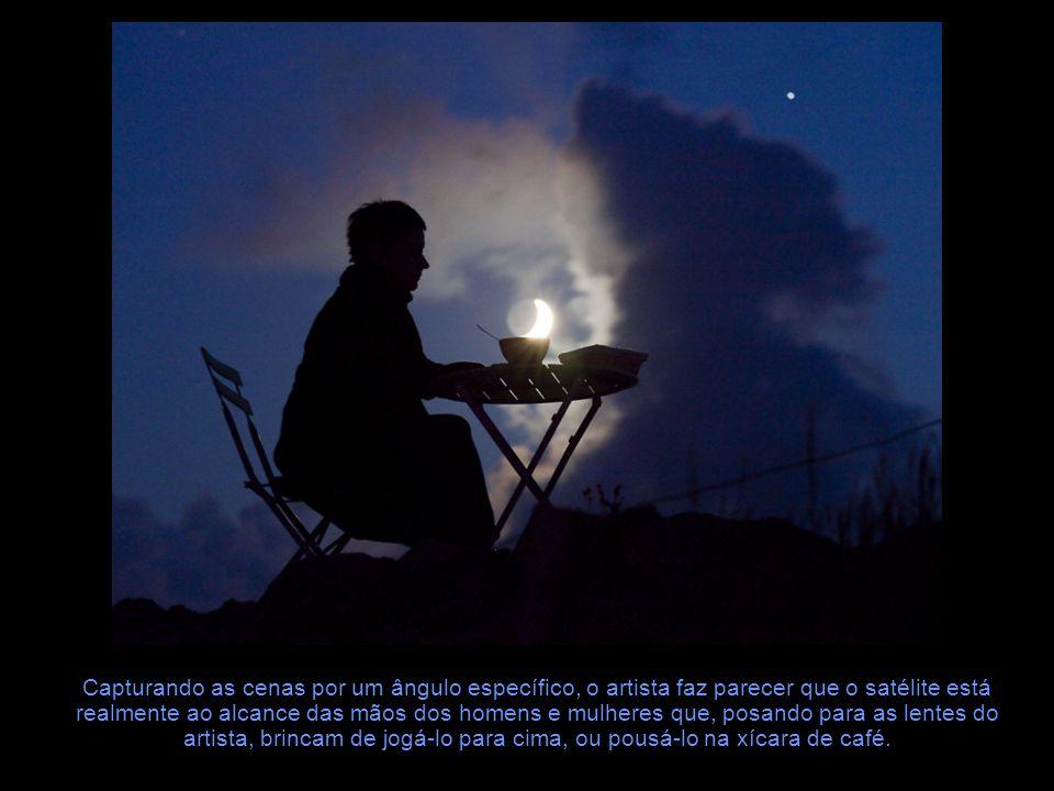 Brincando com a Lua Fotógrafo profissional e jornalista científico, Laurent Laveder criou a série Moon Games, composta por diversas imagens que mostram pessoas interagindo com a Lua.