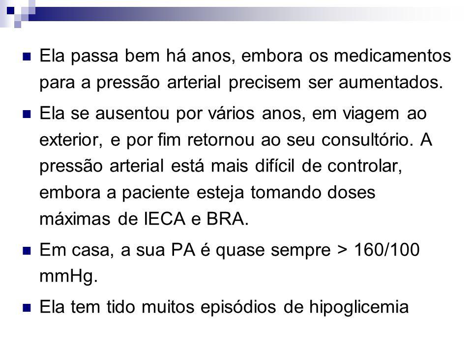 Resultados de exames laboratoriais Hb A1c 9,6% Hb: 9,5 g/dL (95 g/L) Proteinúria detectada por urinálise: ++ Relação albumina/creatinina (ACR): 22,0 mg/mmol Taxa de Filtração Glomerular: 35 ml/min Uréia: 10,3 mg/dl (3,7mmol/l) Creatinina sérica: 2,3 mg/dl (210 µ mol/l) Eletrólitos e TSH normais.