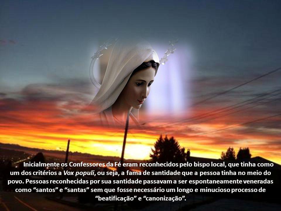 Confessor era aquele que dava um testemunho público e notório de sua fé, especialmente por seu testemunho de vida cristã. Inicialmente somente os márt