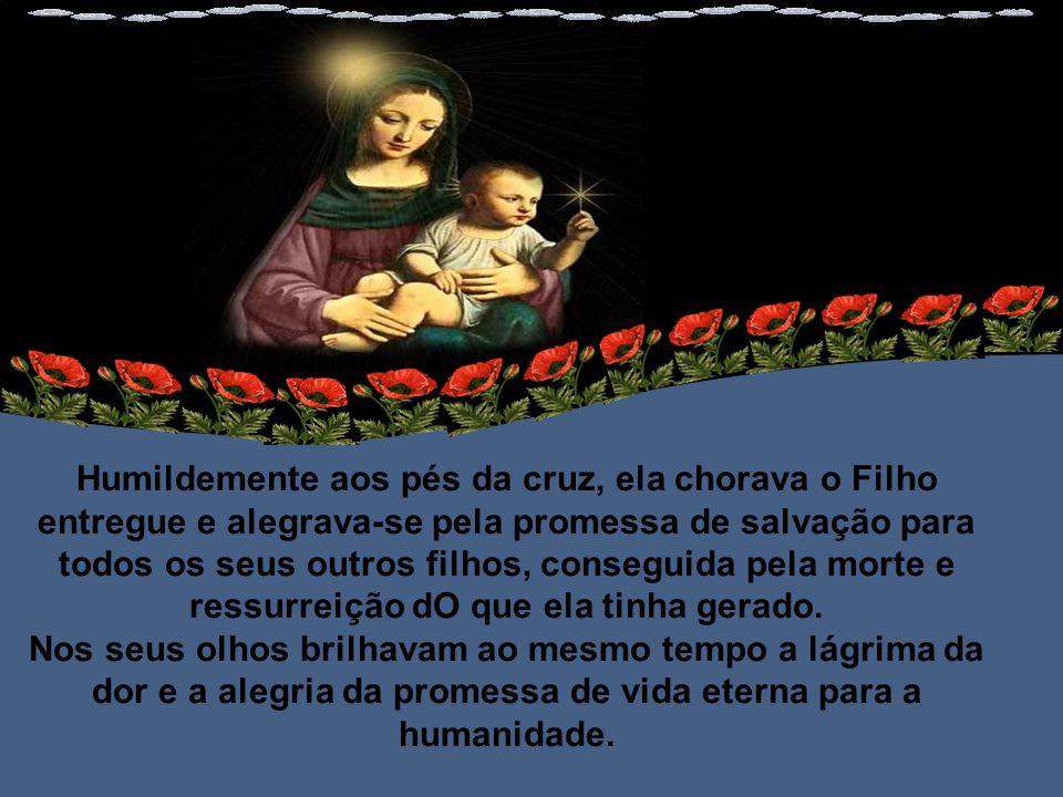 Ela sabia que era nossa Mãe, desde que sentiu Jesus Cristo no seu ventre.
