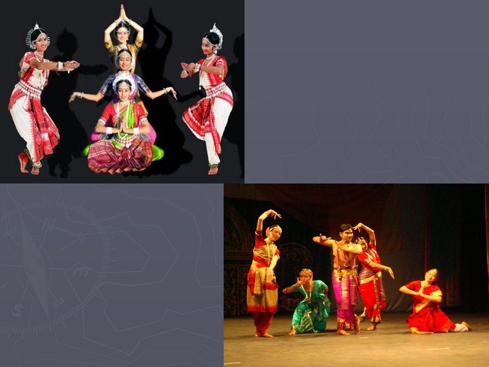 Dança Indiana ► A história nos conta que a origem da dança se deu juntamente com o teatro através de uma escritura chamada Natya Shastra.