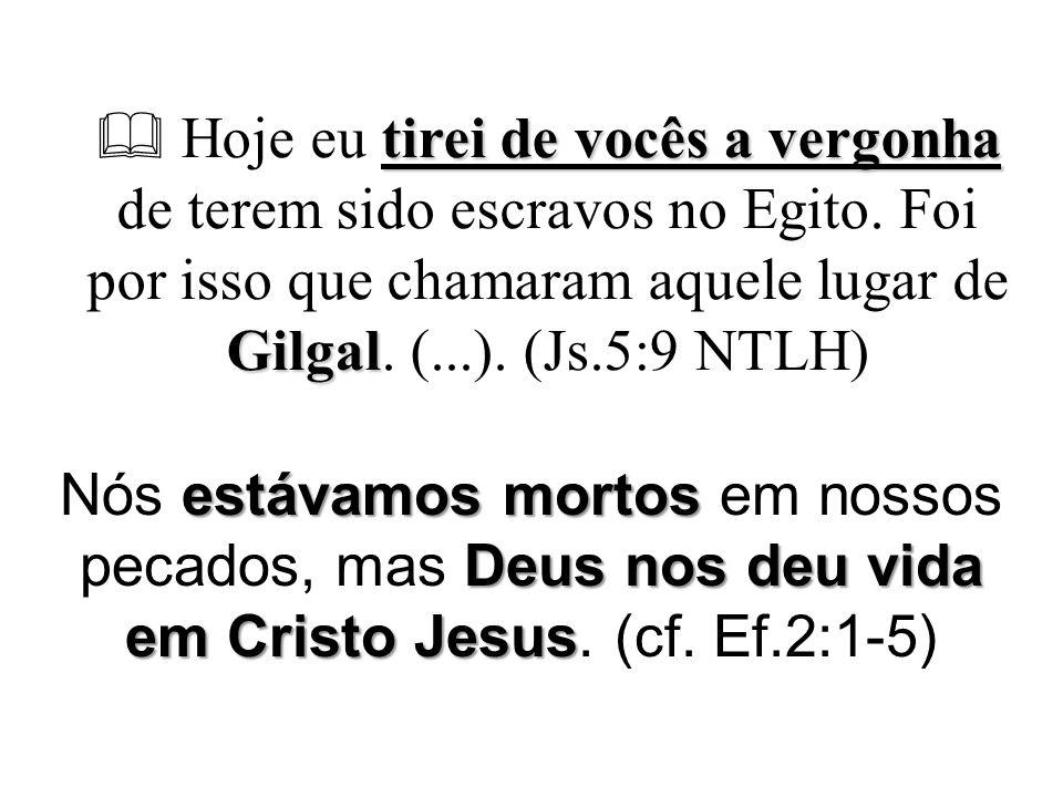 No Jordão: Jesus viu o Espírito de Deus do céu veio uma voz  16 Logo que foi batizado, Jesus saiu da água.