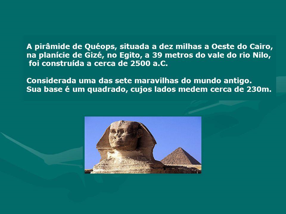 HISTÓRIA Tales de Mileto, matemático e filósofo grego do século VI a.C., certa vez, apresentou-se ao Rei do Egito, oferecendo-se para calcular a altura da pirâmide de Quéops, sem escalar o monumento.