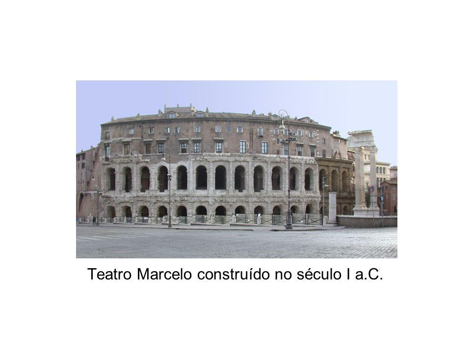 Teatro Marcelo construído no século I a.C.