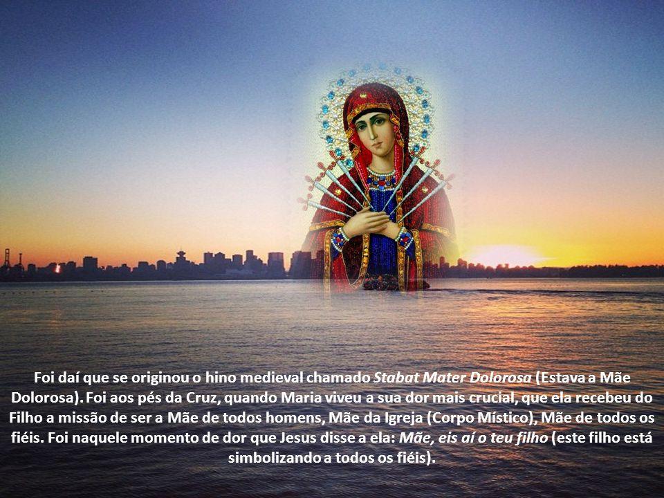 Nossa Senhora das Dores é representada com um semblante de dor e sofrimento, tendo sete espadas ferindo seu imaculado coração. Às vezes, uma só espada