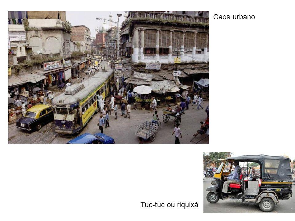 Tuc-tuc ou riquixá Caos urbano