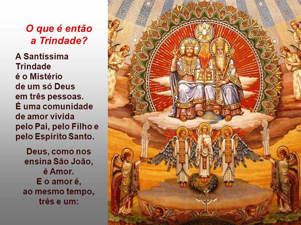 - É a festa do BATISMO, que nos tornou participantes da vida da Trindade.