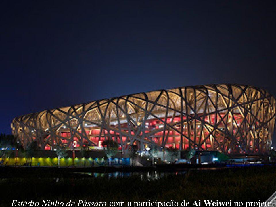 Estádio Ninho de Pássaro com a participação de Ai Weiwei no projeto