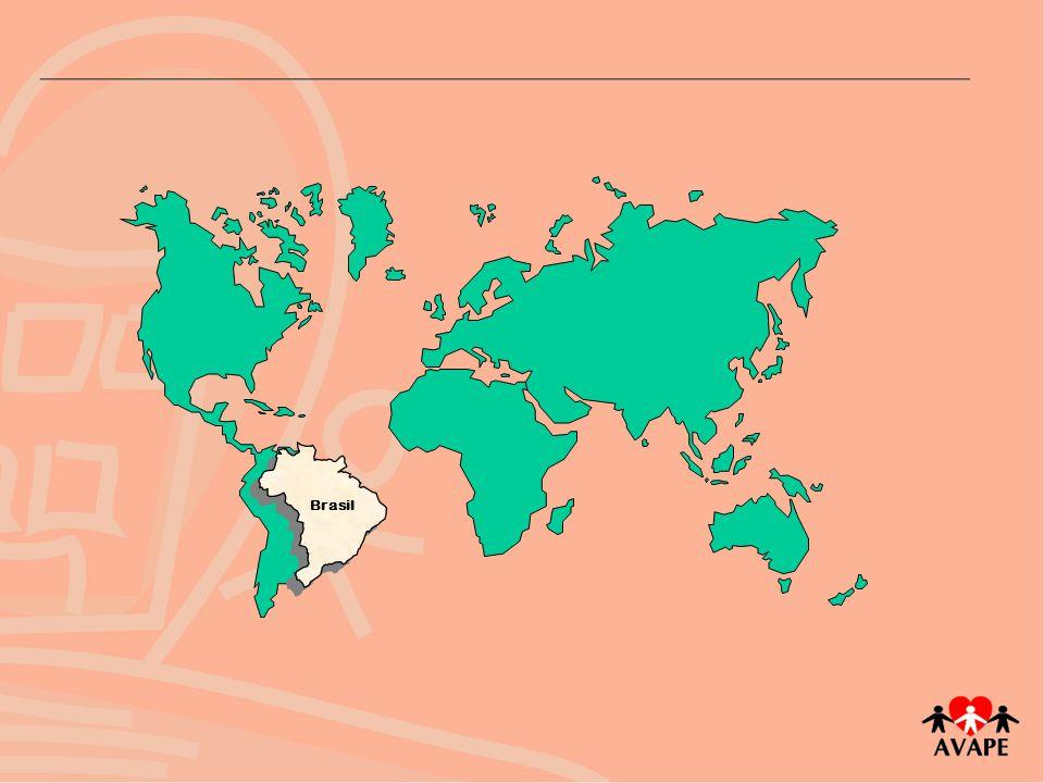 População: 183 milhões habitantes 26,5 milhões pessoas com deficiência (14,5%) Território: 8.514.877 km 2 26 Estados 1 Distrito Federal PIB per capita: US$ 3,330 mil IDH: 0,792 69º Ranking Desenvolvimento Humano