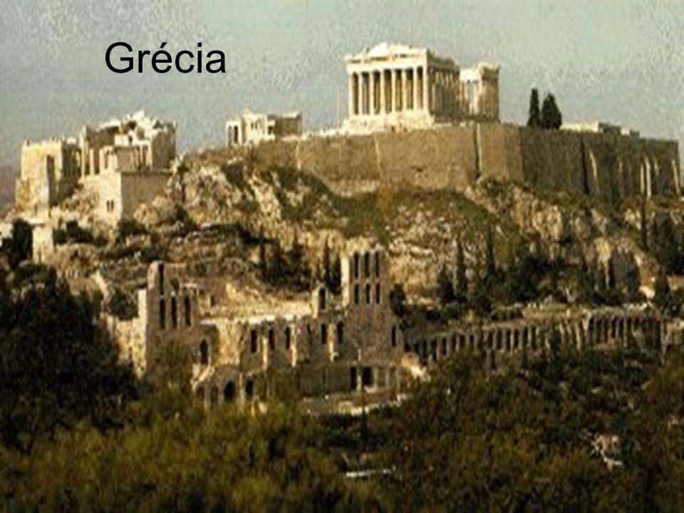 História Geral - Antigüidade Profº João Luís Grécia A Grécia clássica conhece várias formas de organização e institucionalização.