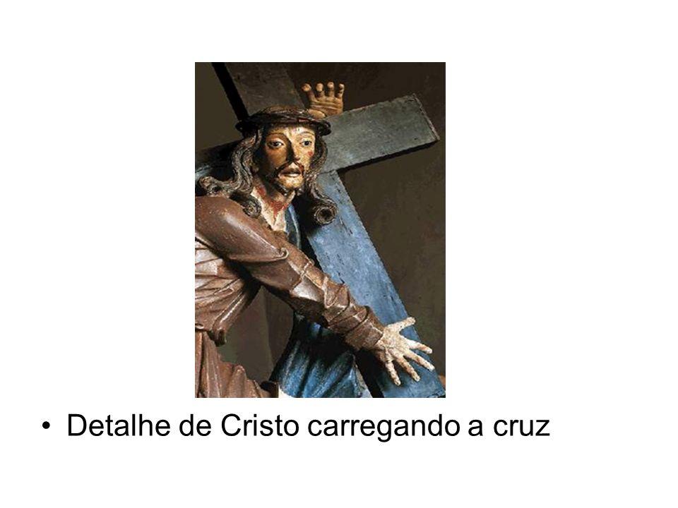 Detalhe de Cristo carregando a cruz