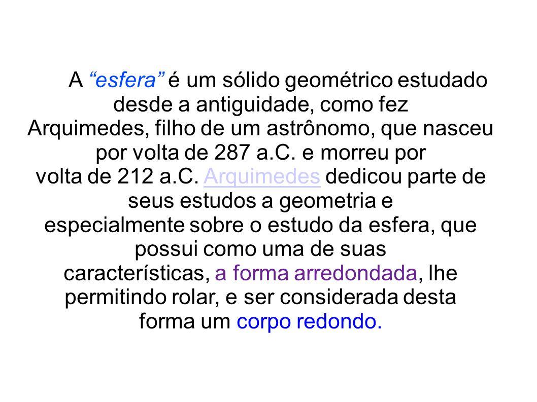 Um elemento importante de uma esfera são as circunferências máximas desse sólido geométrico.