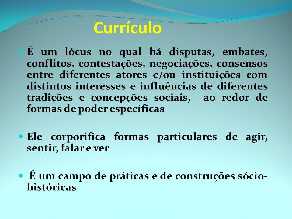 O currículo é um projeto, cujo processo de construção e de desenvolvimento é interativo, abarcando várias dimensões e contextos – político, econômico,