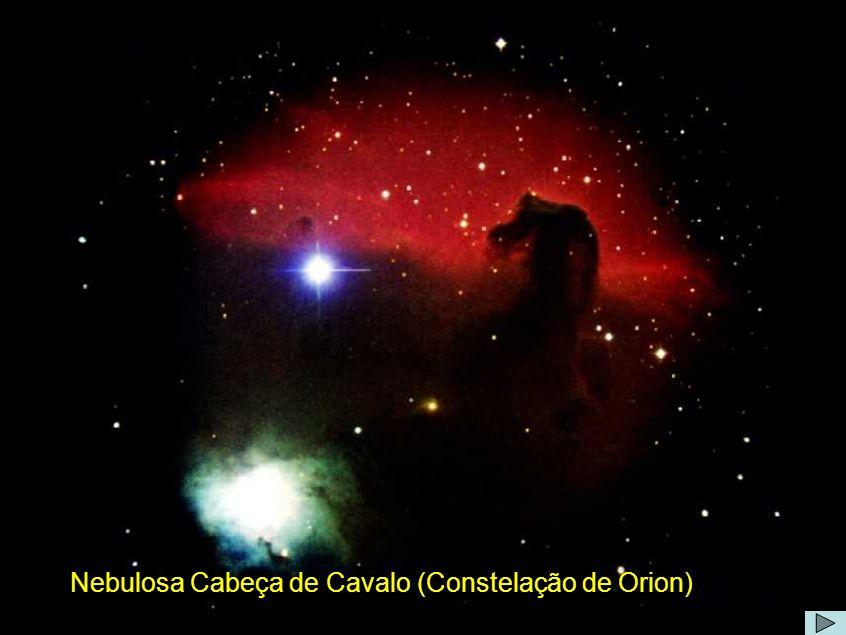 Nebulosa cabeça de cavalo Comentário: A Nebulosa da Cabeça de Cavalo tem o nome oficial de Barnard 33 e situa-se no complexo sistema de nuvens moleculares de Orion, nos limites da região H II IC434, a 1400 anos-luz da Terra.