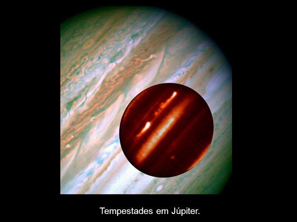 Tempestades em Júpiter.
