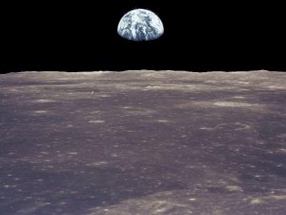 O SISTEMA SOLAR DF LUA Rotação (dia): 29,5 dias Diâmetro (km): 3474 Temperatura max: 123°C Temperatura min: -233°C Translação: 27 dias Gravidade: 1,62