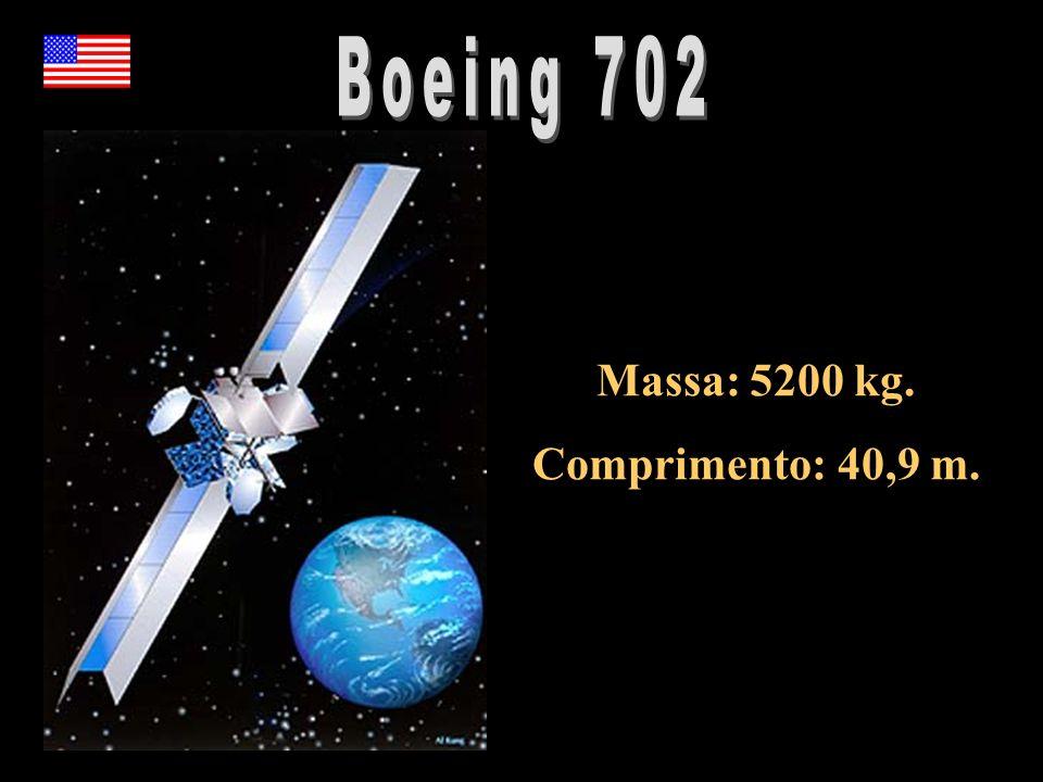 Massa: 5200 kg. Comprimento: 40,9 m.