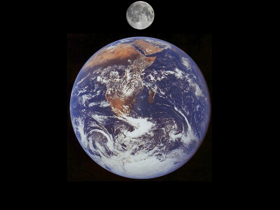 Lei da Gravitação Universal A síntese do céu e da Terra; Isaac Newton (1642 – 1727) Força atrativa entre corpos materiais; Atua à distância e instantaneamente; É tanto mais intensa quanto maior a massa dos corpos, e mais fraca quanto maior for a distância dos corpos; O tempo é absoluto e flui uniformemente sem relação a qualquer coisa externa.