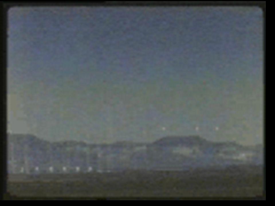 Guerra nuclear clássica Alguém aperta o botão, então: 15 minutos depois: Misseis balísticos lançados desde submarinos (SLBM) começam a atingir aeroportos 25 minutos depois: Mísseis balísticos inter- continentais ( ICBM) atingem bases militares, centros de comando e infraestrutura industrial.