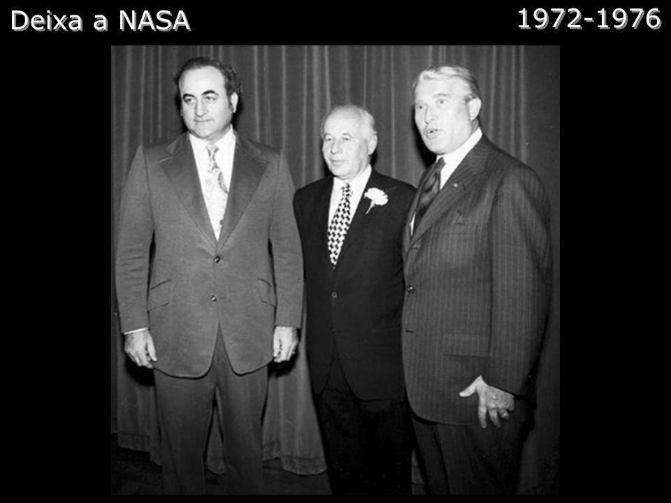 Tudo Muda - Kennedy Comentários: durante esses anos von Braun e sua equipe desenvolveram o lançador Saturno e em especial o Saturno V, a maior máquina
