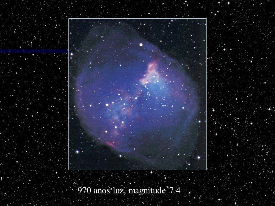 970 anos luz, magnitude 7.4
