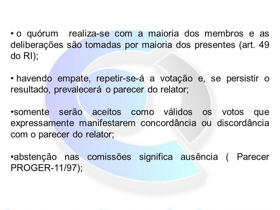 o quórum realiza-se com a maioria dos membros e as deliberações são tomadas por maioria dos presentes (art.