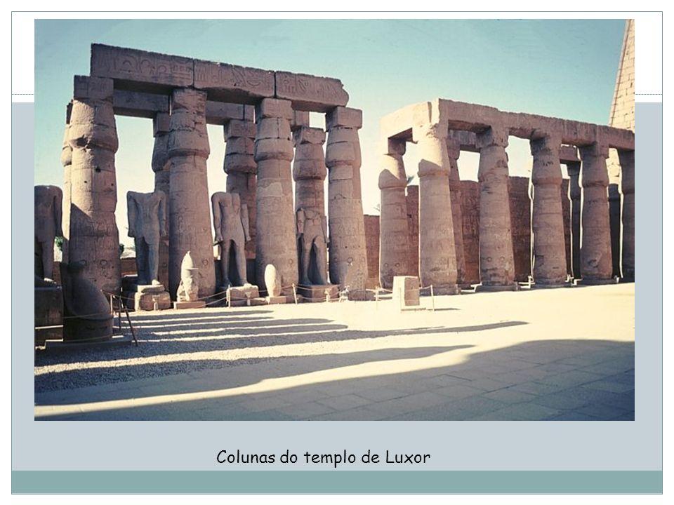 Colunas do templo de Luxor