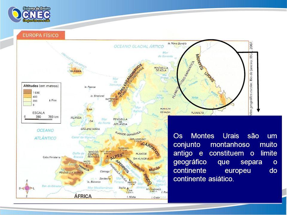 Os Montes Urais são um conjunto montanhoso muito antigo e constituem o limite geográfico que separa o continente europeu do continente asiático.