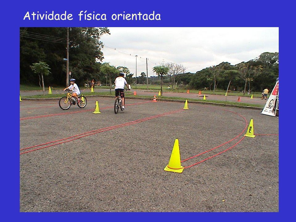 Futuros talentos aprendem a bater um bolão no Cates Publicado em: 11/04/2004 08:00 O estudante Washington César Santos Júnior, de 16 anos, quer ser um grande jogador de futebol.