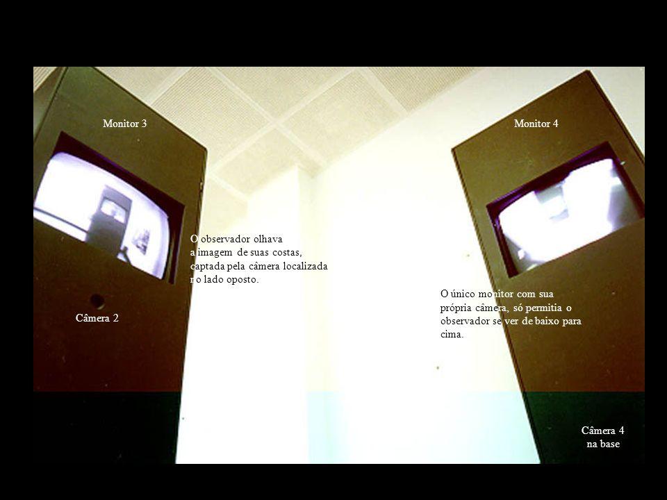 O sistema utilizado é o mais simples possível, com 4 micro-câmeras, 3 monitores de vídeo (20) e um monitor (15) de sistema de vigilância com alternância de imagens.