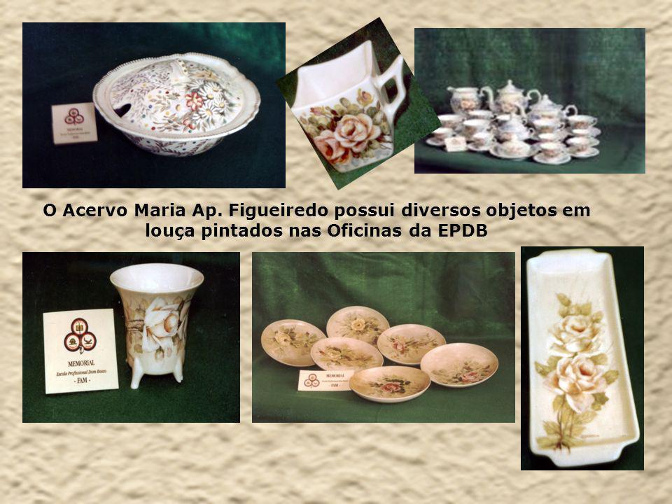 O Acervo Maria Ap. Figueiredo possui diversos objetos em louça pintados nas Oficinas da EPDB