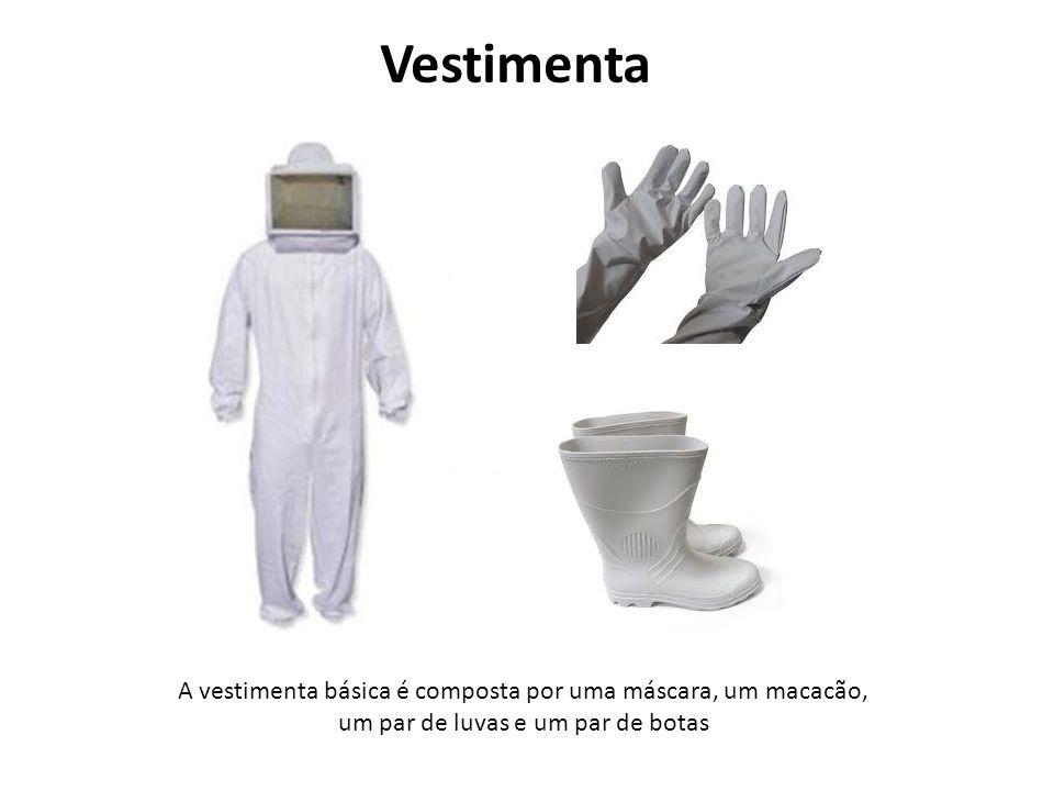Vestimenta A vestimenta básica é composta por uma máscara, um macacão, um par de luvas e um par de botas