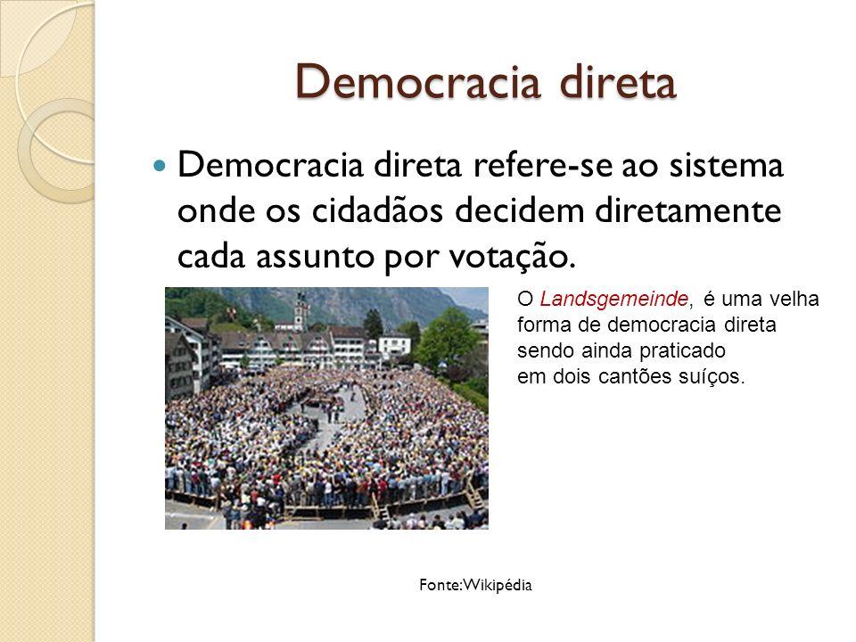 Democracia Direta A democracia direta clássica é o antigo sistema político de Atenas.