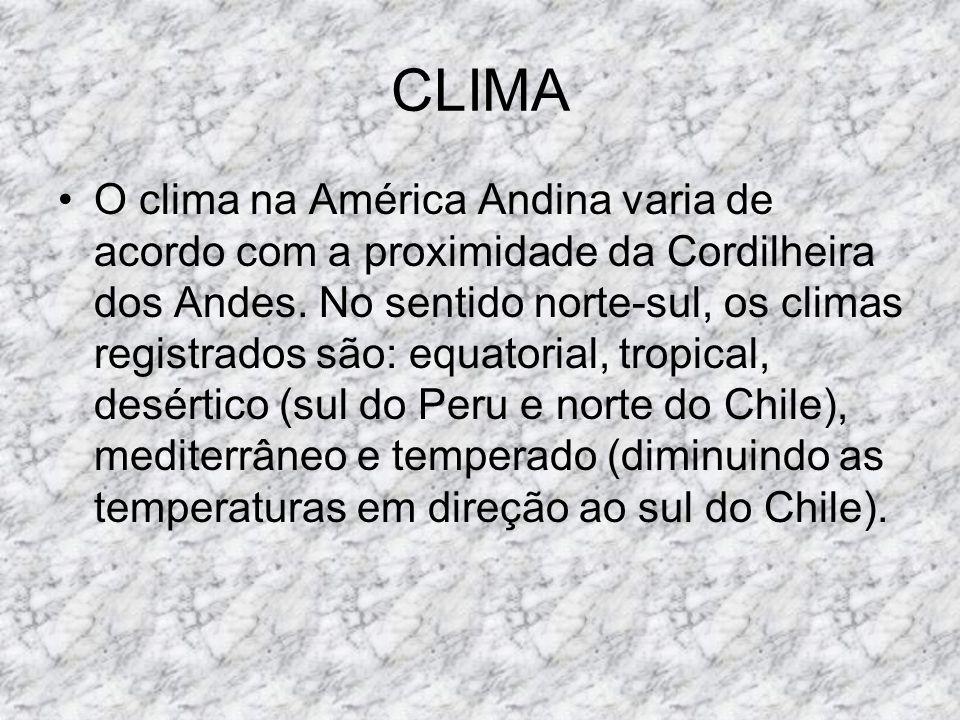 CLIMA E VEGETAÇÃO A América Central está situada praticamente em sua totalidade na zona intertropical, no entanto, desenvolve outros tipos de climas provenientes das altitudes, a partir disso é possível identificar três domínios climáticos.