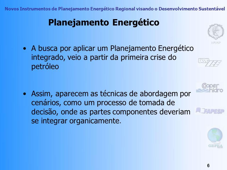 Novos Instrumentos de Planejamento Energético Regional visando o Desenvolvimento Sustentável 6 Planejamento Energético A busca por aplicar um Planejamento Energético integrado, veio a partir da primeira crise do petróleo Assim, aparecem as técnicas de abordagem por cenários, como um processo de tomada de decisão, onde as partes componentes deveriam se integrar organicamente.