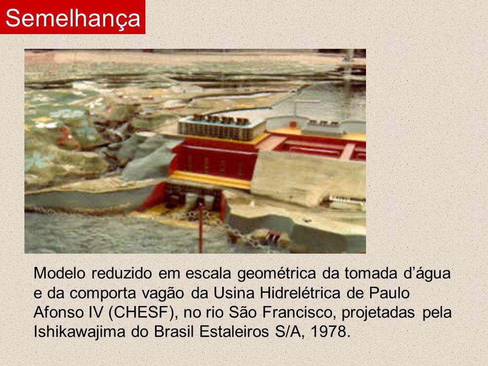 Modelo reduzido em escala geométrica da tomada dágua e da comporta vagão da Usina Hidrelétrica de Paulo Afonso IV (CHESF), no rio São Francisco, proje